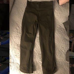 Lululemon crop leggings - olive green size 6